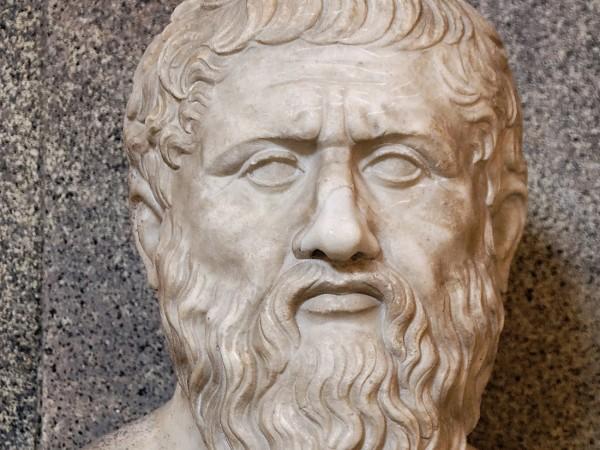 Plato-600x450